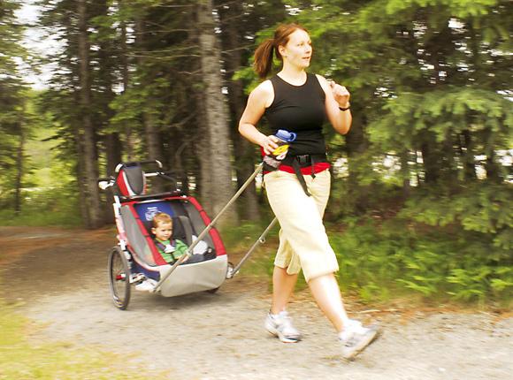 Kindertransporter Walking Frau Chariot
